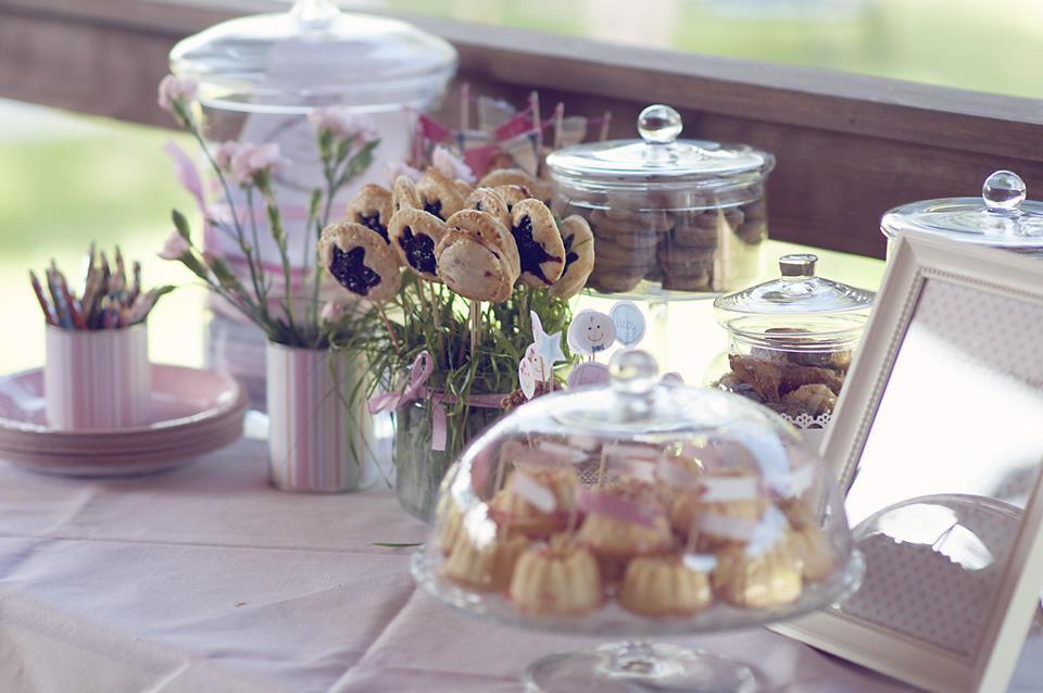 Słodkości na słodkim stole.